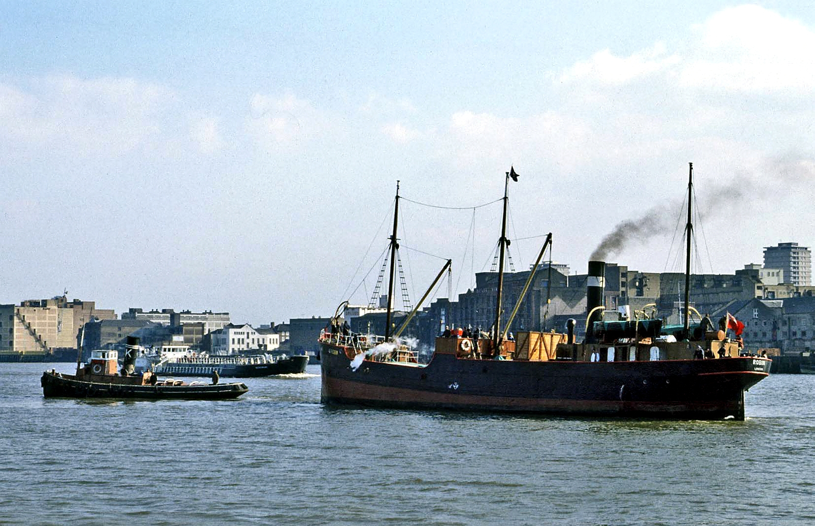 A tugboat in the Royal Docks