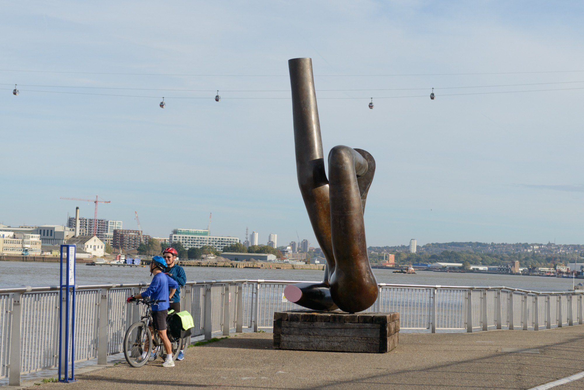 The Liberty Grip statue by Gary Hume